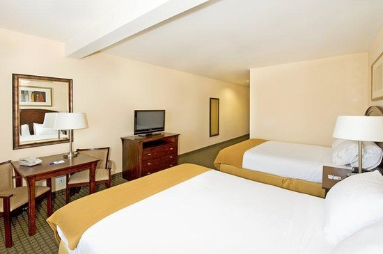 Holiday Inn Express Hotel & Suites Willcox : Queen Bed Guest Room