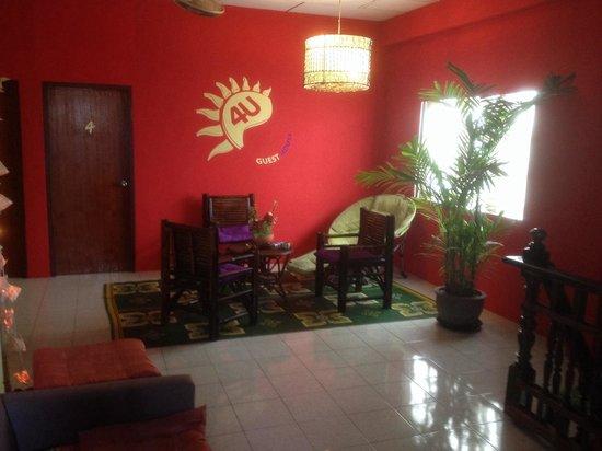 For You Guest house: Petit salon comme à la maison
