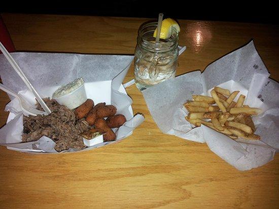 Woodlands Barbeque Restaurant & Catering Service: Woodlands Barbecue food
