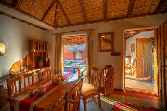 Orange County Resorts Kabini: Pool Hut - Dining Room