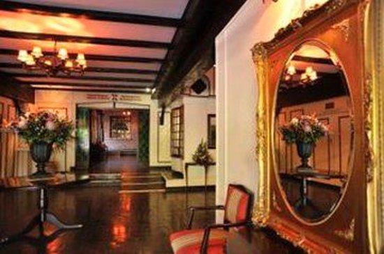 Cresta Churchill Hotel: CKBUQCHU