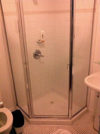 Presidio Inn & Suites: El baño