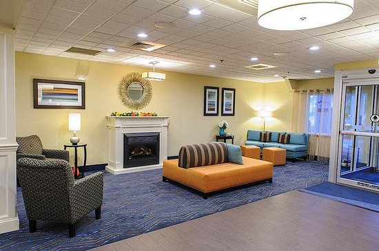 Holiday Inn Express Ludlow : Hotel Lobby