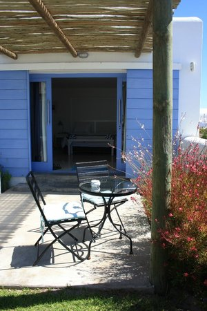 Zula Beach House and Cottage: Photo by Characterstay