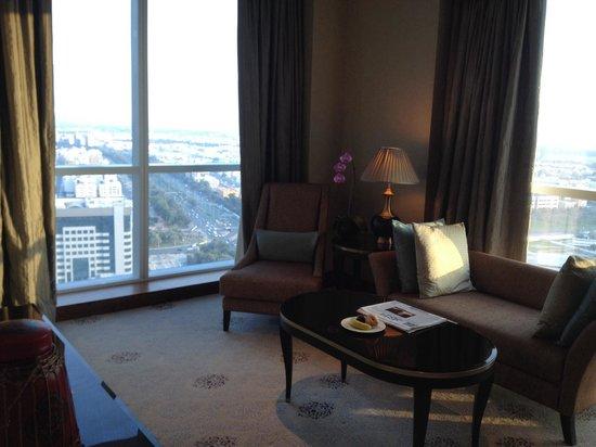 Dusit Thani Abu Dhabi : Living room