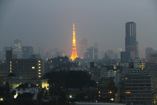 The Prince Sakura Tower Tokyo: Tokyo Tower at 4am