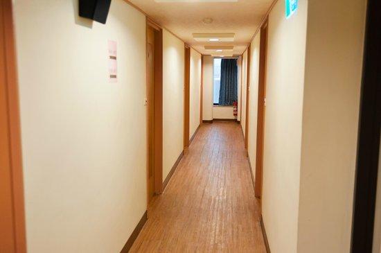 Li Duo Hotel : 廊下