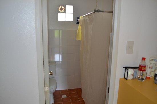 Island Jewel Inn: Ванная комната