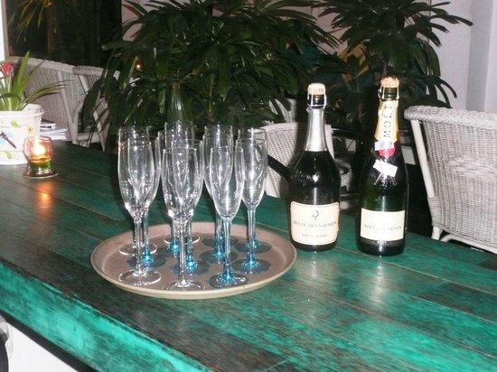 Meads Beach Bar & Grill: Celebration!