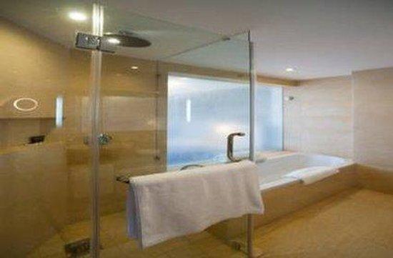 The Boma Nairobi : Bathroom