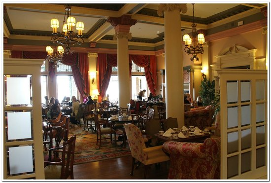 The Fairmont Empress: Dining room