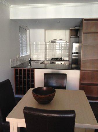 Oaks Lexicon Apartments: kitchen