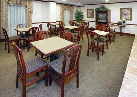 Comfort Inn & Suites Sugarloaf-Suwanee: Breakfast Area