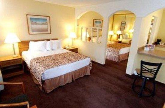 Mardi Gras Hotel & Casino: Double Queen Room