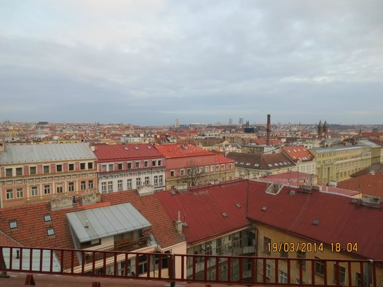 Red & Blue: View from 602 on downtown Praha