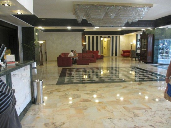 corridoio piano2 picture of salles hotel pere iv barcelona tripadvisor
