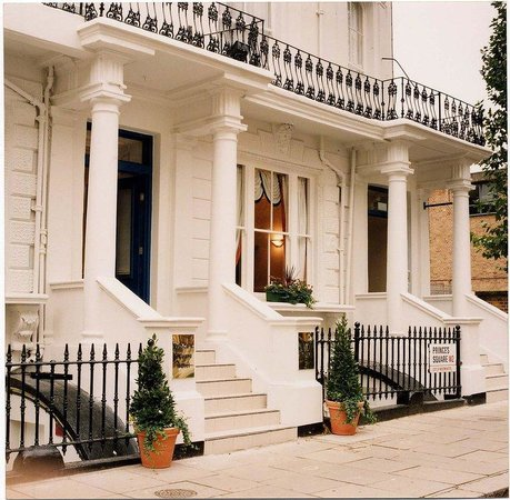 Princes Square Hotel: Summer Image Exterior View