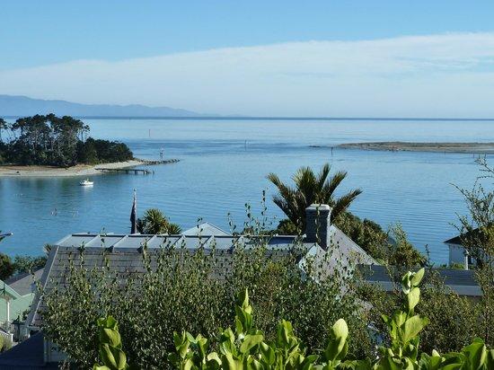Te Puna Wai Lodge: view 2 from courtyard