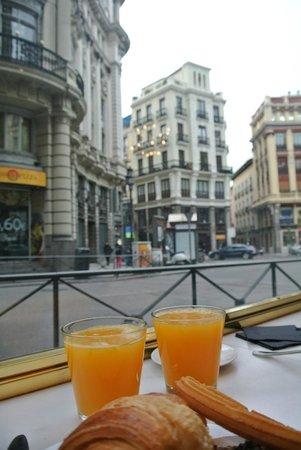 Quatro Puerta del Sol Hotel: A bakery next door