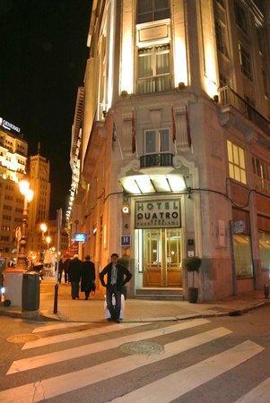 Quatro Puerta del Sol Hotel: Hotel entrance