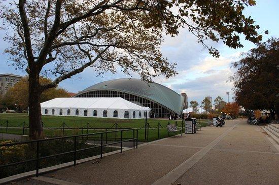 Massachusetts Institute of Technology (MIT): Kresge Auditorium