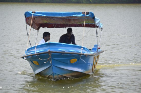 Dalmanuta Gardens - Ayurvedic Resort & Restaurant: Boat shown with the manager
