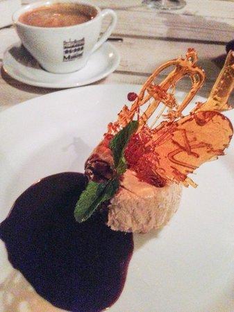 Oppie Dorp Restaurant: Amarula cheese cake.