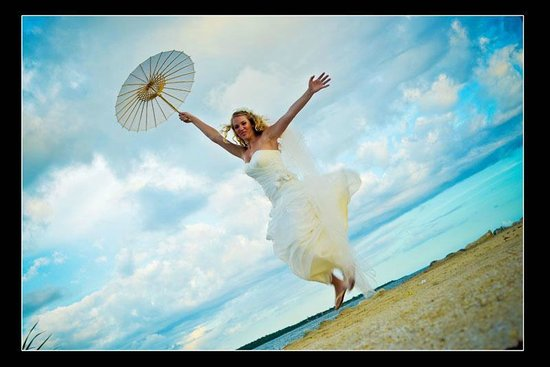 Coral Cove Resort : Tropical Wedding Dream