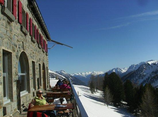 Bernina Express: Vista mozzafiato da balcone sospeso nel vuoto