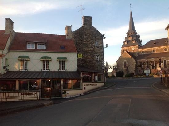 Au Site Normand Hotel-Restaurant : Aussenansicht Au-Site-Normand