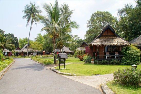 The Sunset Village Beach Resort: Ruhige, gepflegte Anlage.