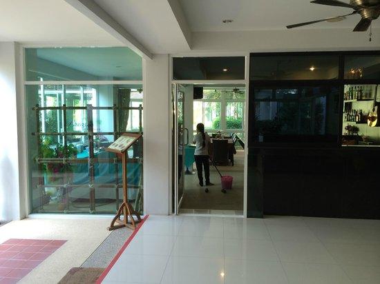 Bangtao Tropical Residence Resort & Spa: Breakfast place