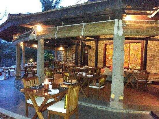Niraamaya Retreats: dinning area