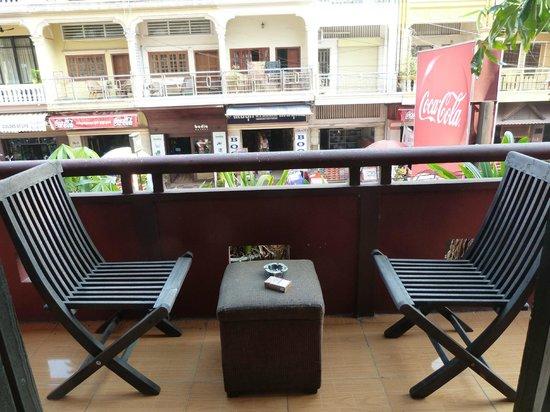 Sovanphum Guesthouse: Balcon / Vue