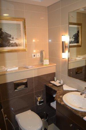 Media Rotana : Bathroom