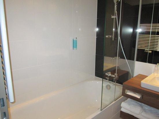 Austria Trend Hotel Doppio Wien: Hotel Room Toilet