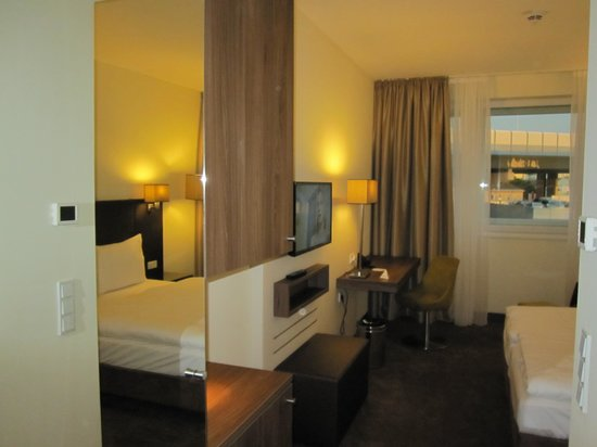 Austria Trend Hotel Doppio Wien: Hotel Room