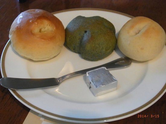Bakery Restaurant Saint Marc Chofu Jindaiji: Continuous offer of choices of bread