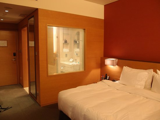 The T Hotel: Bedroom