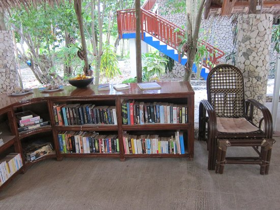 The Blue Orchid Resort: the small library where you can have books to read