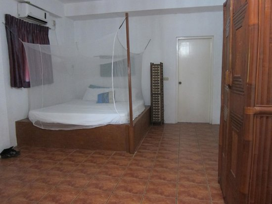 The Blue Orchid Resort : nice spacious room