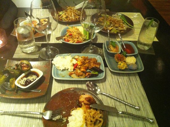 Thai on 4: Selections from the buffet menu