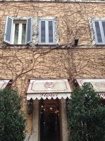 Boutique Hotel Campo de Fiori: The front entrance