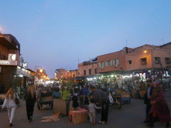 Riad Asrari : jemaa el fna; the centrre of Marrakesh