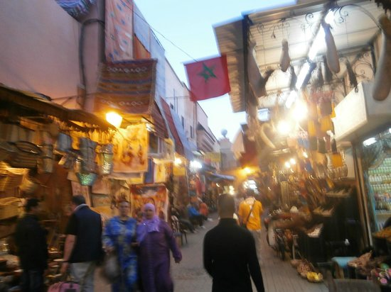 Riad Asrari: Souks and side streets