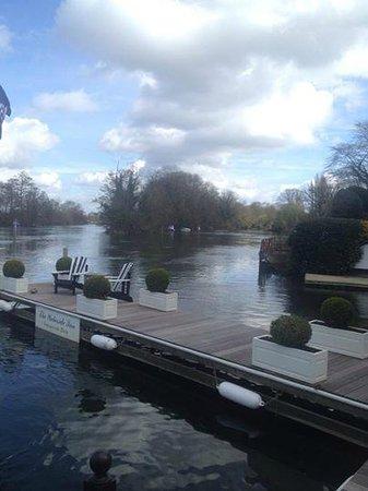 Waterside Inn: lovely view of the Thames