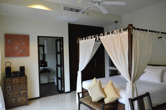 Two Villas Holiday, Oriental Style Layan Beach: room