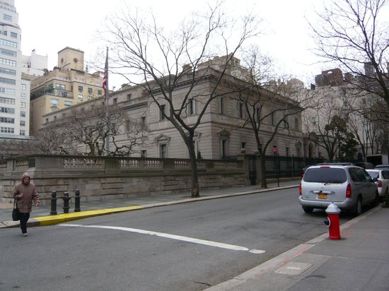 The Frick Collection : The exterior