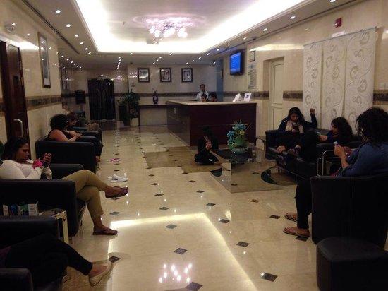Pearl Marina Hotel Apartments: lobby