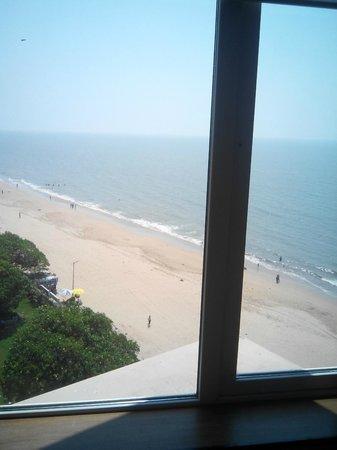 Novotel Mumbai Juhu Beach : serene